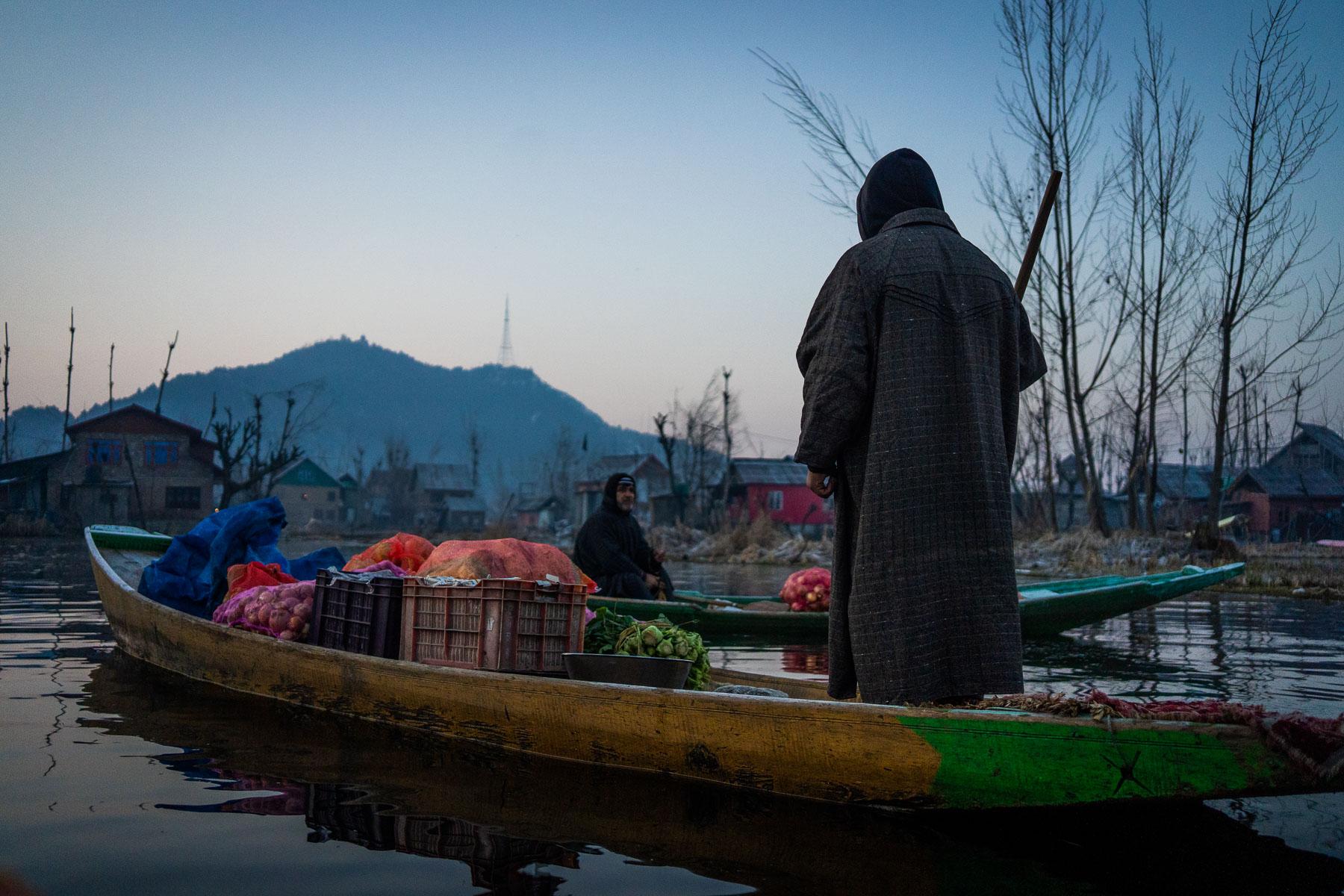 _MEE1880 Kashmir Dal Lake